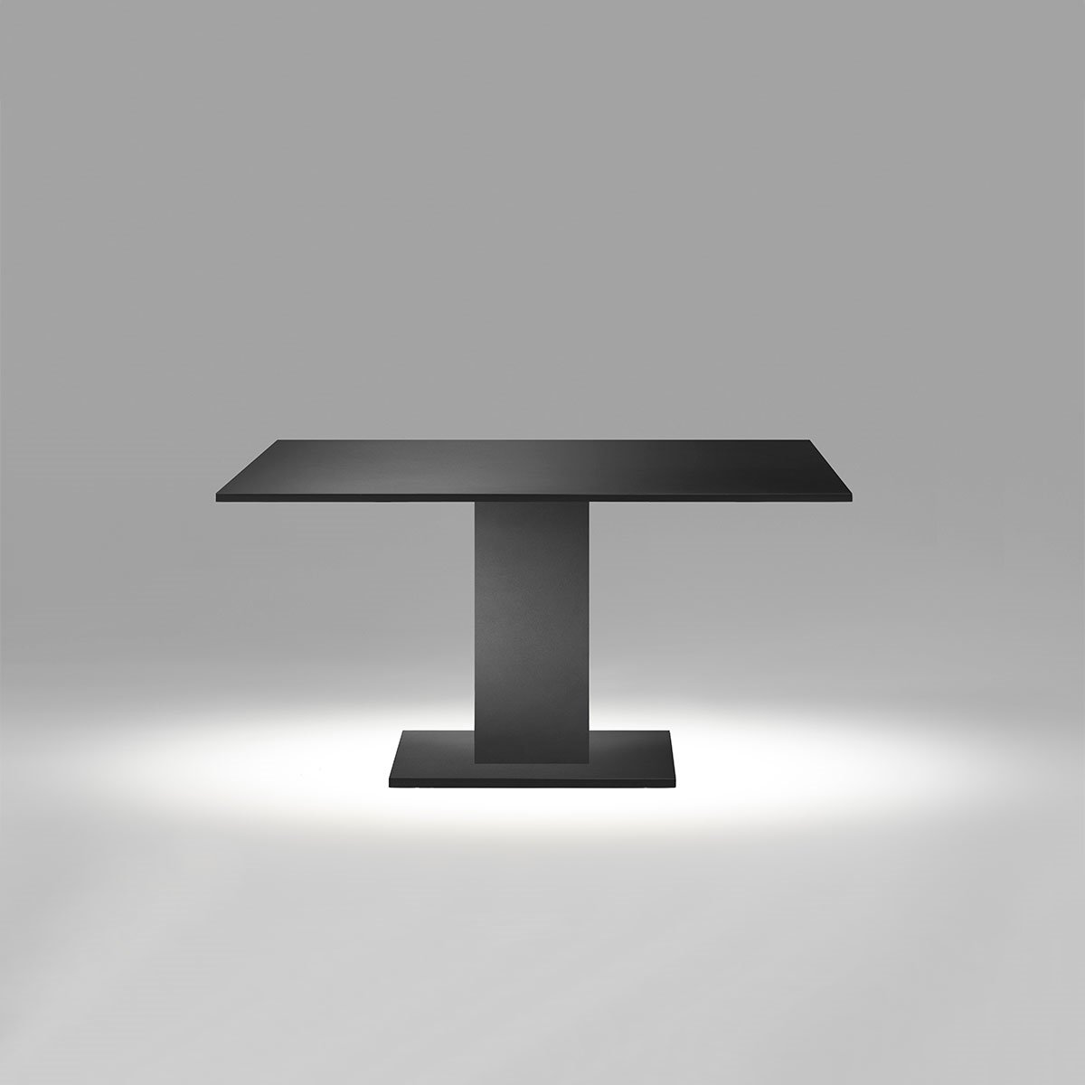 LOUNGE TABLE BLACK